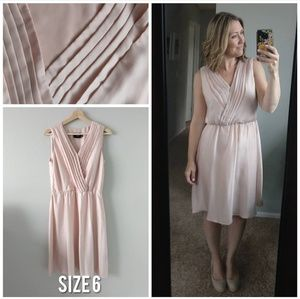 Just Taylor Silky Blush Pleated Dress Size 6